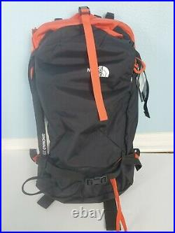 The North Face Snowmad 23 Snowboard Backpack Pack TNF Black Steep Tech